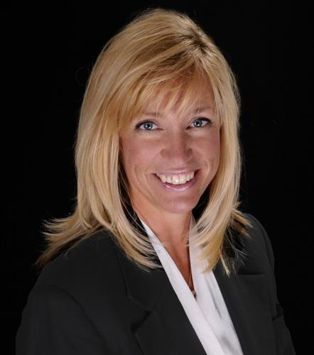Tracy Hulsey a Castle Pines Office Real Estate Agent